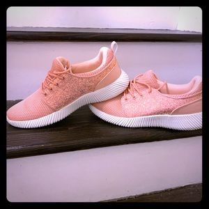 (SOFT PINK ) SOFT FOAM SNEAKERS WITH GLITTER